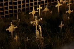 死後世界也好擠 港驚人墓地照曝光