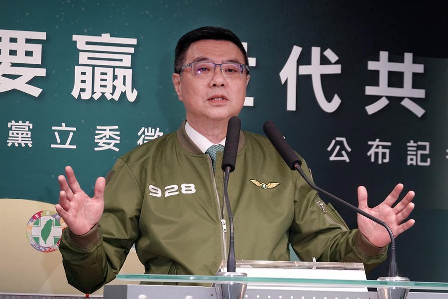 民進黨中執會後舉行記者會,黨主席卓榮泰說明與前副總統呂秀蓮會面情形。(姚志平攝)