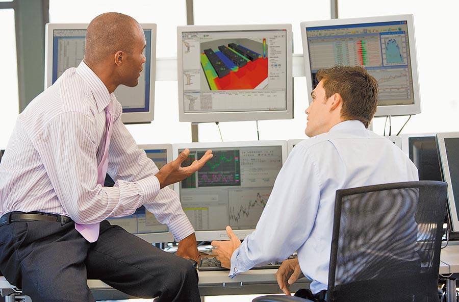 透過施耐德邊緣控制設備蒐集關鍵資訊即時進行監測與分析。 圖/施耐德電機提供