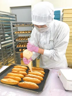 全聯拚現烤麵包王 明年全台千店都有賣