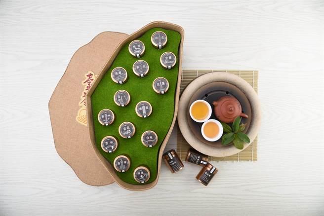 「臺茶雲來」禮盒網羅14款好茶,要力拚國際市場。(柯宗緯攝)