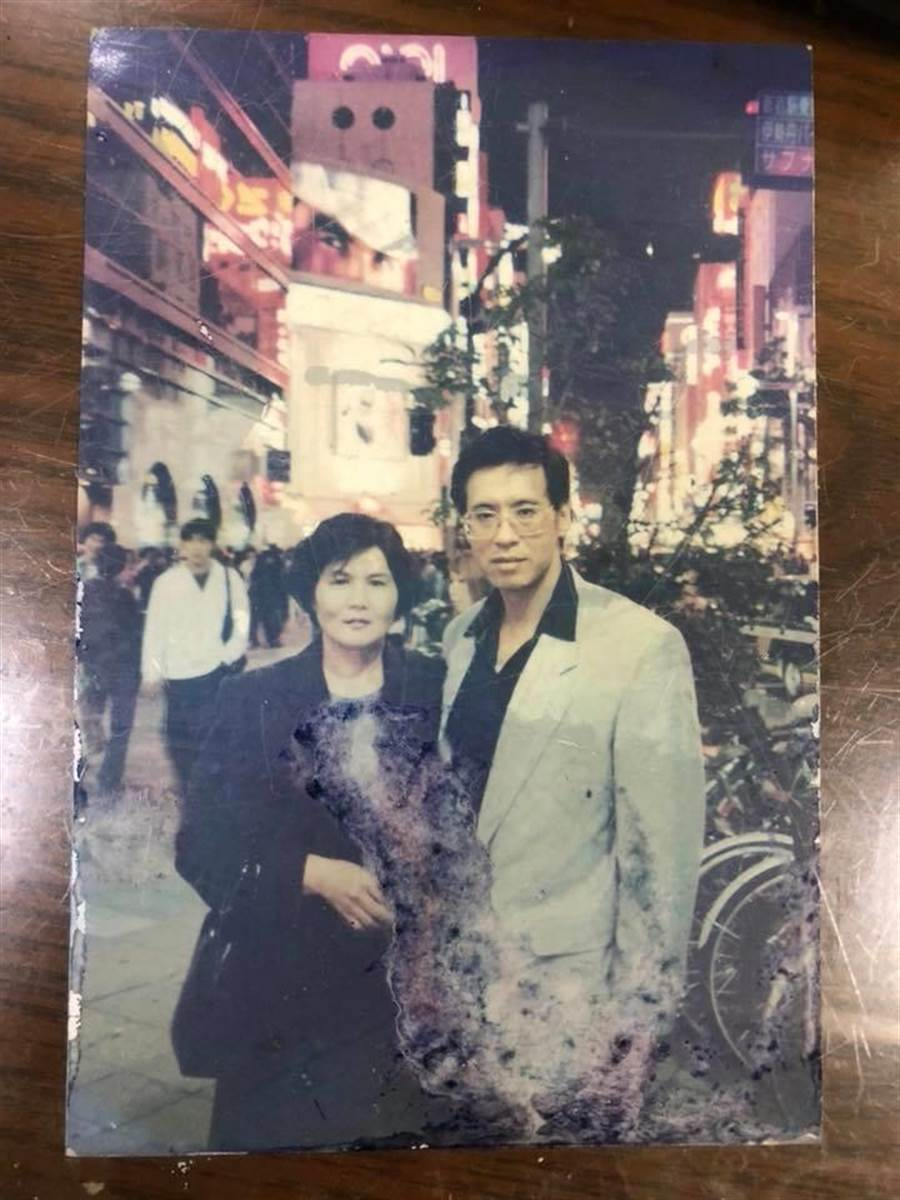 侯怡君在臉書分享爸媽照片。取自臉書