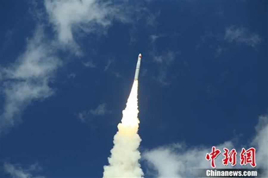 陸今下午成功發射「珠海一號」03組衛星。(照片取自中新網)