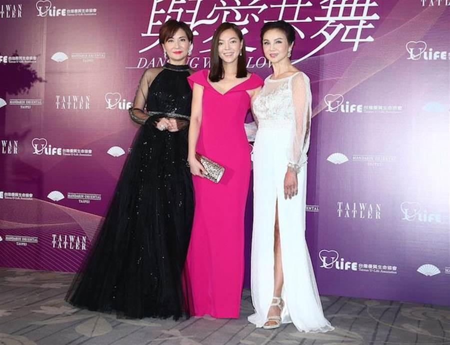 方芳芳(左起)、曾馨瑩、謝玲玲。粘耿豪攝