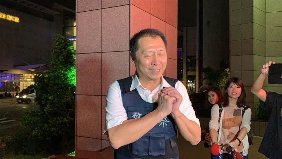 前鎮分局長林新晃指揮辦案,所幸成功逮人歸案,暫時鬆了一口氣。(柯宗緯攝)