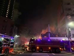 台中民宅烈焰沖天 警消全力搶救