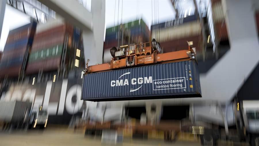 川普政府近日排除逾400項大陸商品關稅。(美聯社)