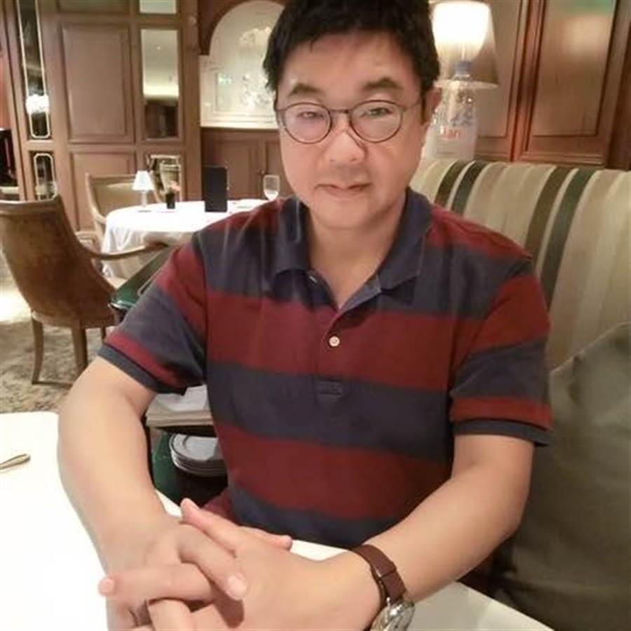 胡幼偉指蔡若無能止斷交潮即為弱台妹(胡幼偉臉書擷圖)