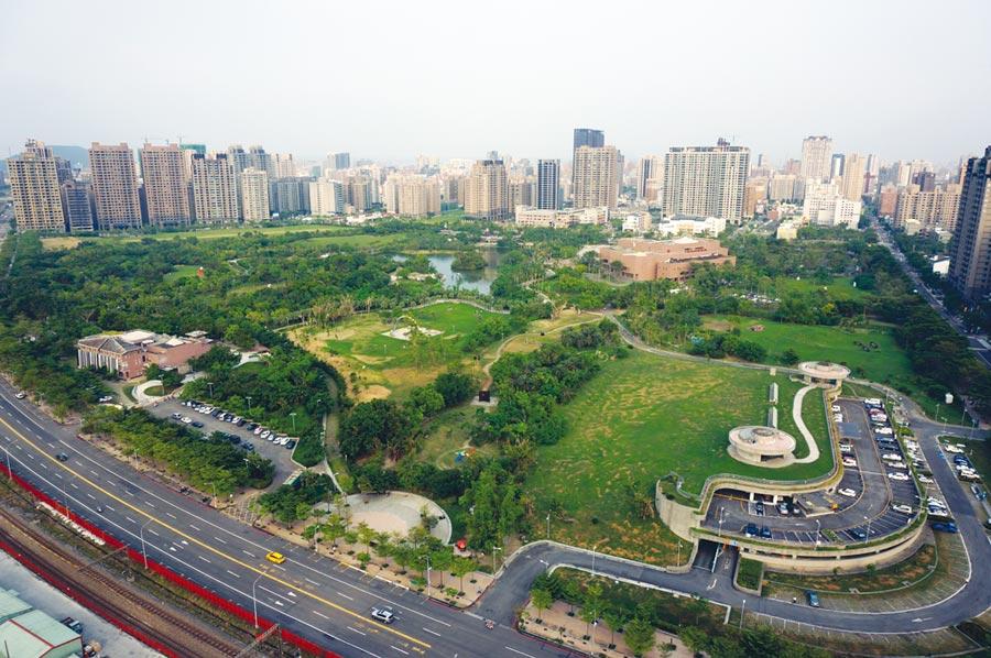 高雄房市今年的九二八檔期,高雄美術館特區將出現該區有史以來的最大造鎮案。圖/顏瑞田