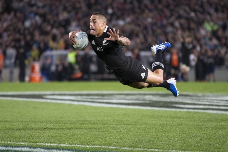 紐西蘭代表隊史密斯的雙手前臂有刺青。(美聯社資料照)