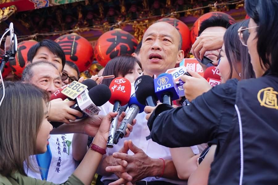 國民黨總統參選人韓國瑜在台中受訪,砲轟蔡英文外交政策一蹋糊塗,造成友邦接連斷交。(王文吉攝)