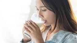 喝牛奶有副作用!營養師建議改喝它是最佳代替品