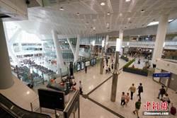 香港高鐵通車一周年:西九龍站成為重要出入境口岸