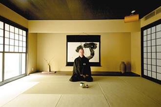 京都見學 坐禪。串珠。插花。