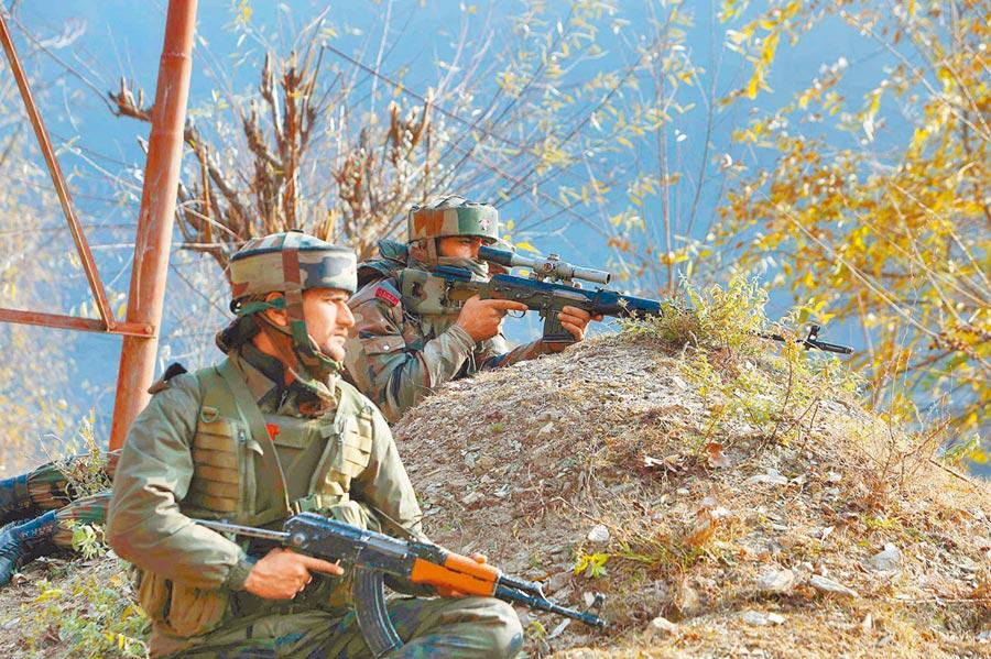 印度士兵備戰。(新華社資料照片)