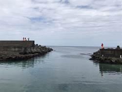 墾丁潛艇觸礁沉沒   2船員游泳上岸無大礙