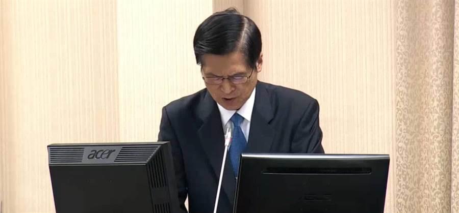國防部長嚴德今在立法院備詢。呂昭隆攝