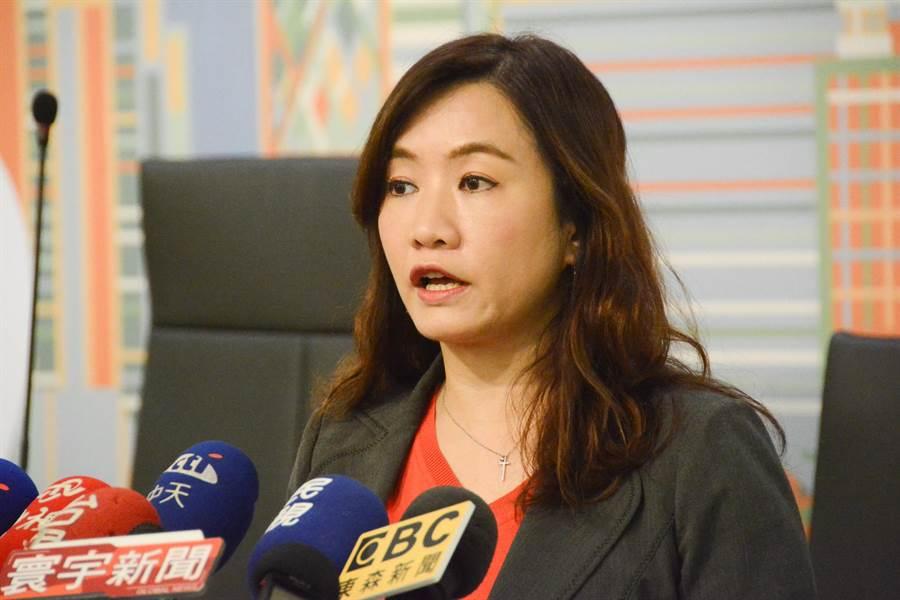 高市新聞局長王淺秋澄清,「不管是採石油還是採醬油,韓市長從來都沒有列入政見白皮書」。(本報資料照)