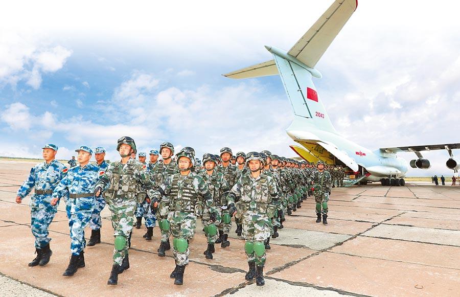 9月7日,中方參演部隊全數抵達俄羅斯奧倫堡。(取自人民網)