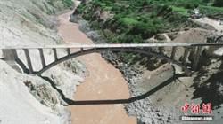 克服地震 雲南建世界最大跨度鐵路