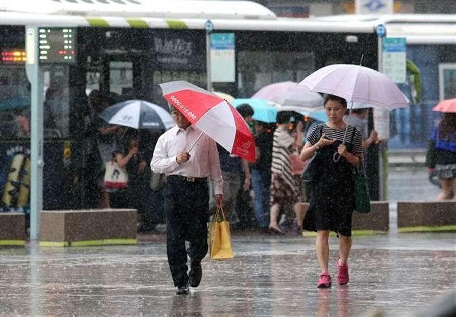 周四起連續5天,北部、東部半部有雨。(資料照)