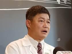 蘆洲子死母危 家屬包圍診所撒冥紙 醫:我不是神