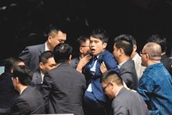 反送中議員遇襲 港府強烈譴責