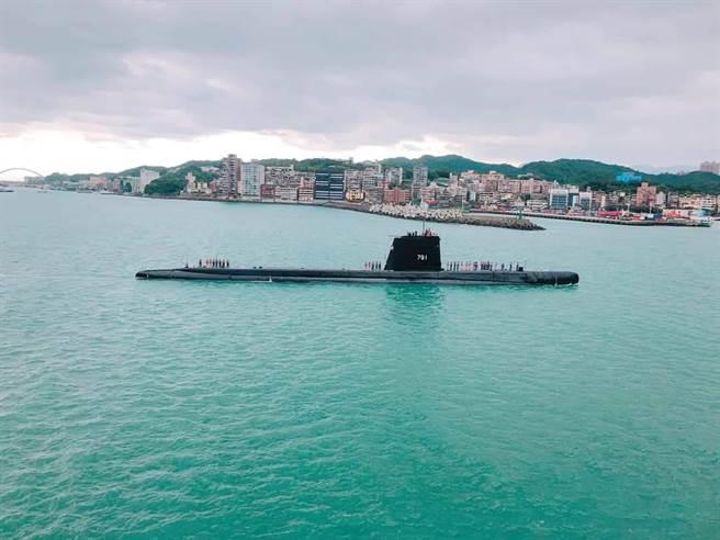最老活潛艦在基隆港 陸客禁看