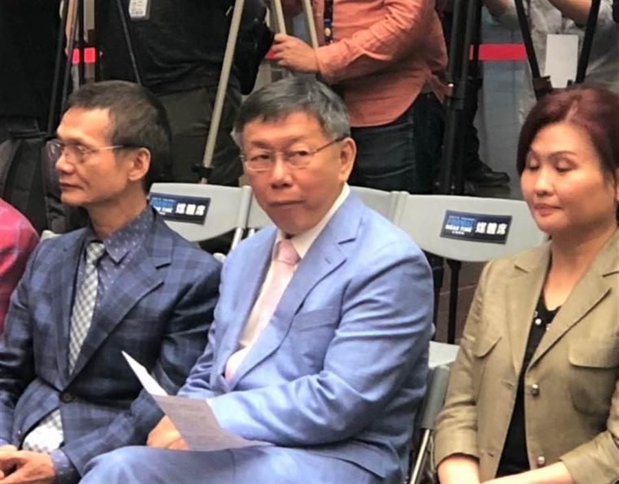 柯文哲出席「2019 Taipei正裝時刻-時尚饗宴」。(吳堂靖攝)