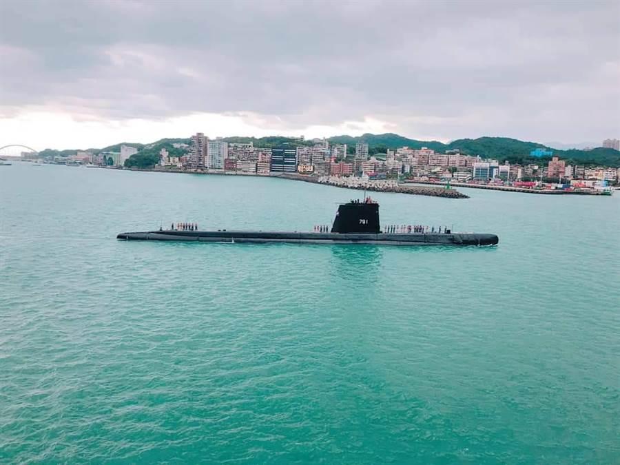 高齡76歲「海獅」潛艦,睽違12年再度回到基隆港展出。(海軍提供)