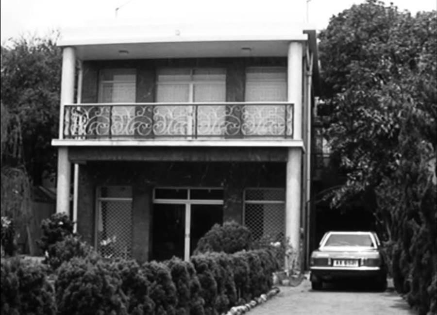 武打巨星李小龍曾居住過位於香港九龍塘的故居舊照,目前被其影迷會發現已於近日拆除。(圖/臉書@Bruce Lee Club 李小龍會)
