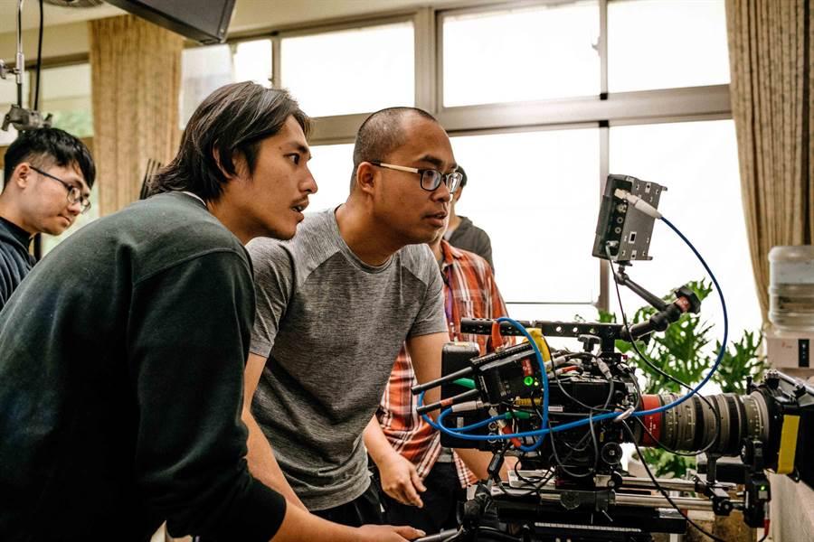 藍正龍(左)跨界當導演,首部作品《傻傻愛你,傻傻愛我》入選高雄電影節「新銳驕傲」單元。(高雄電影節提供)