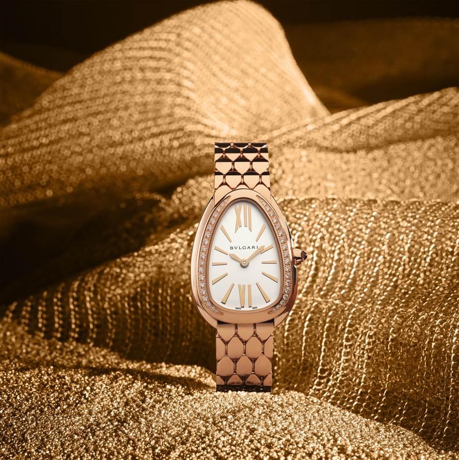 寶格麗SERPENTI SEDUTTORI腕表結合蛇麟狀表帶,美學品味再升級,玫瑰金鑲鑽腕表84萬5000元。(BVLGARI提供)