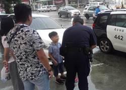 菲客警局躲雨 爸爸不懂中文 9歲兒當翻譯