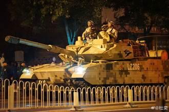 大陸閱兵綵排 出現15式輕戰車