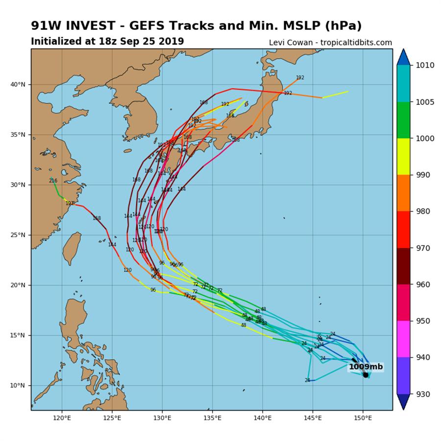 後天(28日)有機會生成第18號颱風「米塔」,其模擬路徑大致通過琉球附近海面,接著轉彎撲向日本。