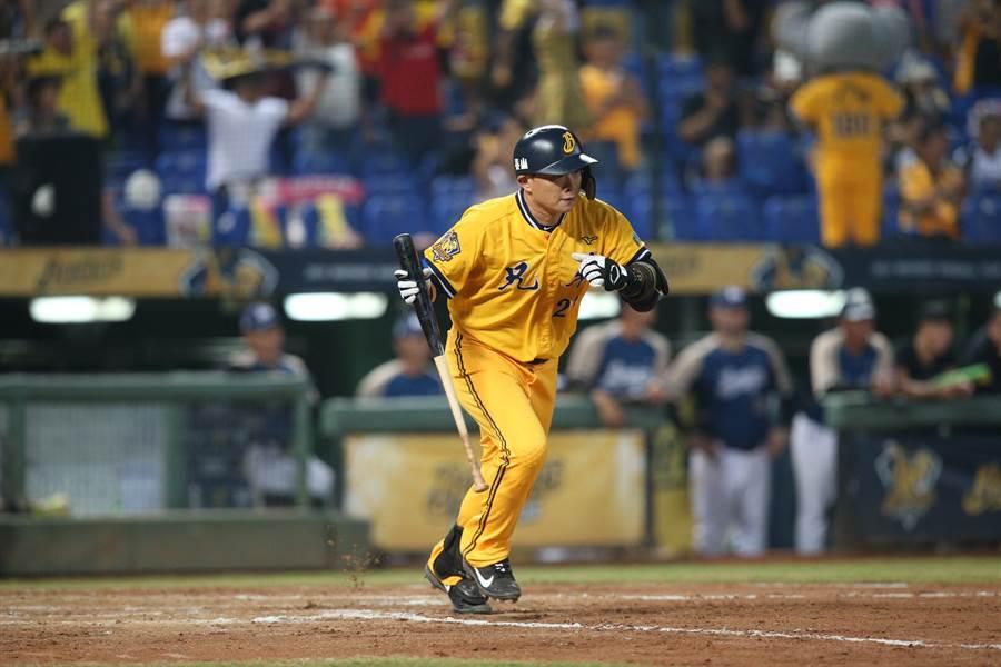 彭政閔在生涯最後一次台灣大賽的首戰,生涯首次沒有在先發打線中。(中信兄弟提供/鄧心瑜傳真)