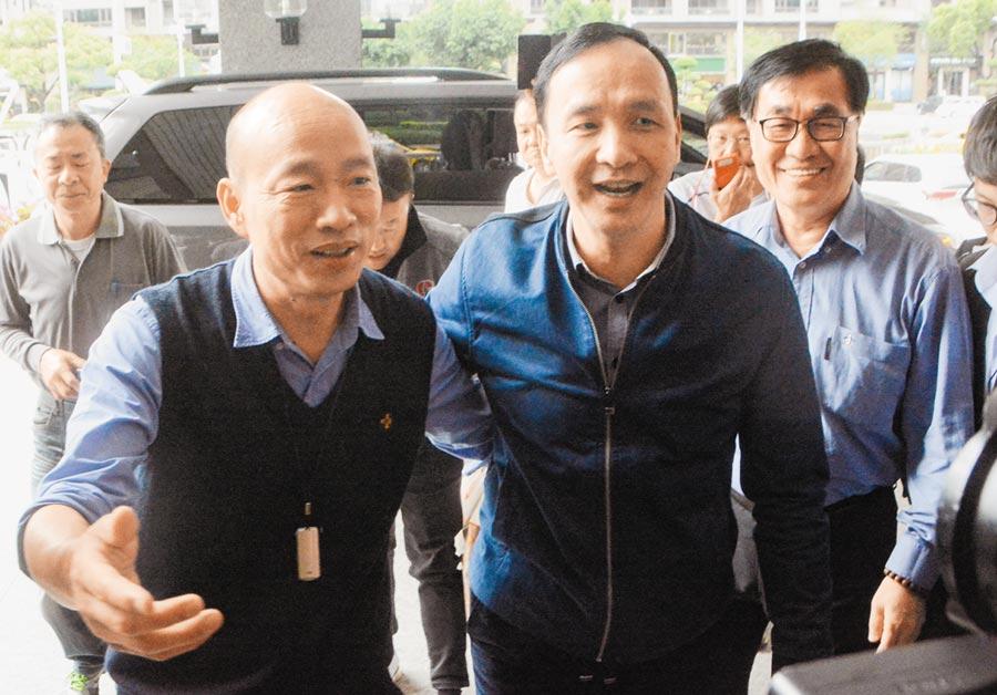 許多國民黨人士認為韓國瑜(左)、朱立倫(中)是最強組合,將發起黨代表連署「韓朱配」。(本報資料照片)