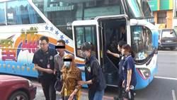 越籍非法移工揪團遊墾丁 移民署攔截遊覽車逮42人
