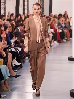 張嘉倪短洋裝秀美腿 奔巴黎時裝周看Chloe