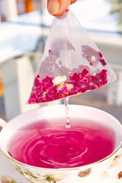 沖泡茶包 當心塑膠喝下肚