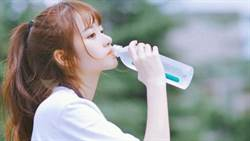 睡前喝水迷思!日本名醫曝「寶水」關鍵時間