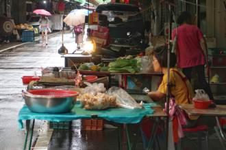 米塔逼近北台 賣場蔬菜被搶購一空