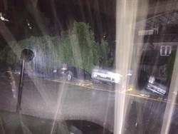 北投溫泉路土石崩落塌陷 整排轎車滑落