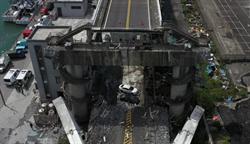 國軍空拍斷橋接點 鋼索扯斷四散