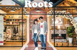 Roots快閃小木屋首度亮相,李易六月夫妻甜蜜站台