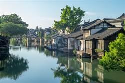 長江最狂釘子戶 飄江上7百年不倒
