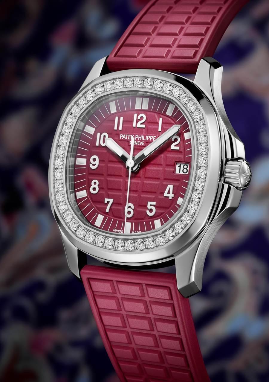 從表盤、表帶都是紅咚咚的Ref.5067 Aquanaut Luce鑽表。(Patek Philippe提供)