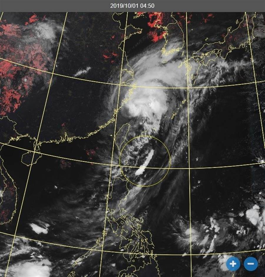 米塔颱風通過彭佳嶼海面,當地吹16級陣風,此風力若在台灣將造成強大破壞力。(圖擷自鄭明典臉書/中央氣象局)