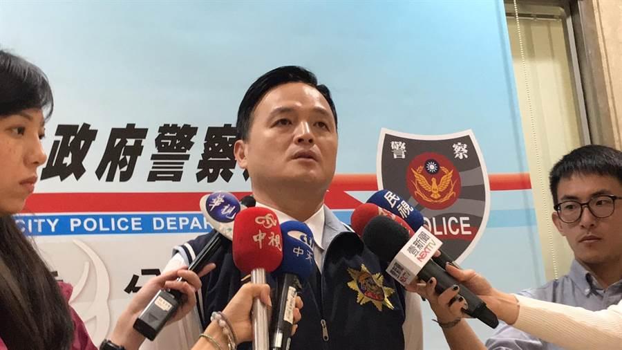 三重分局偵查隊長鄭偉豪表示,警方隨即出動42名快打警力,將鬧事的6人都壓制帶回(戴上容攝)